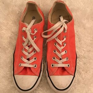 Coral Converse Tennishoes